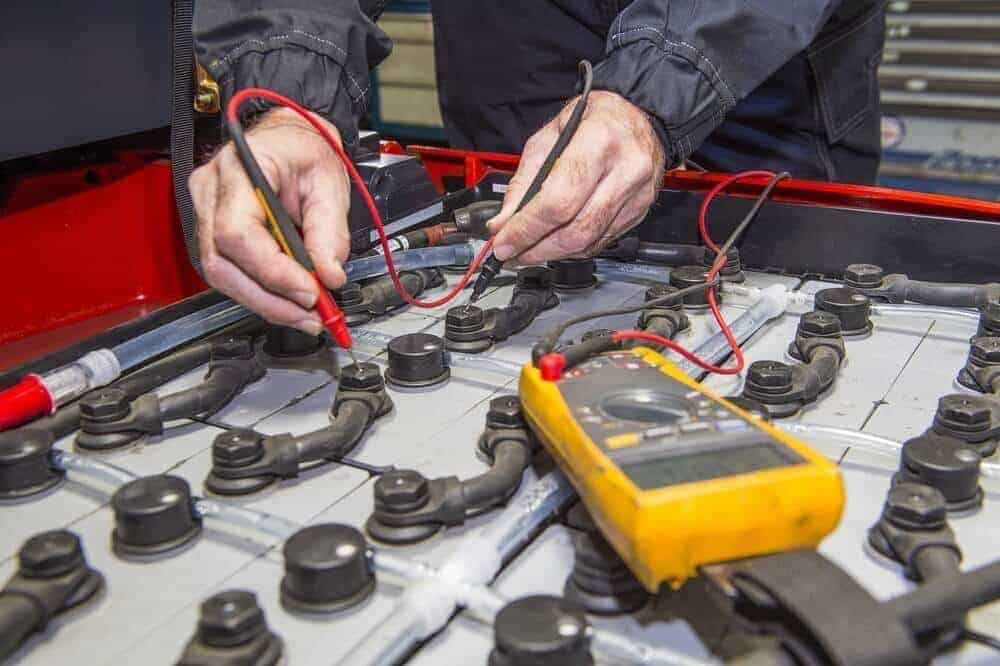 How to Maintain Golf Cart Batteries